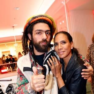 Promi-Events: Noah und Barbara Becker vor DJ-Pult
