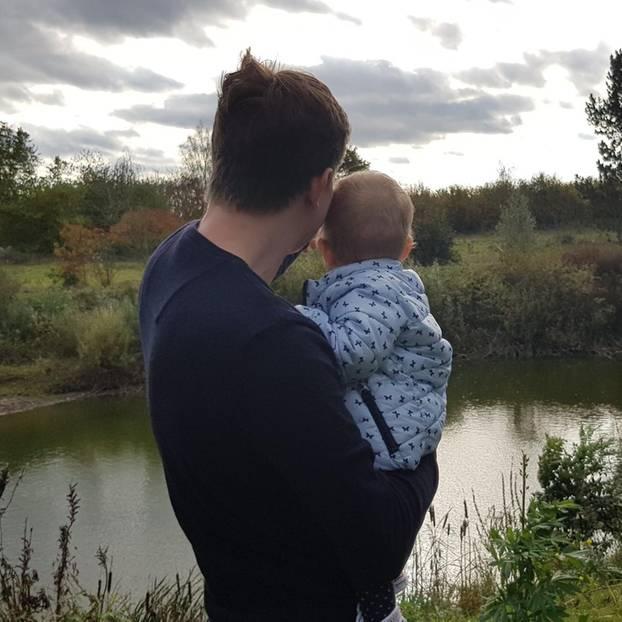 Dennis Betzholz und seine Tochter