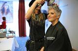Birgit Schrowange: bekommt ein Haarstyling
