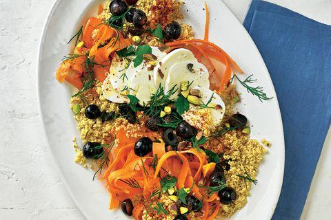 Möhrensalat mit Kichererbsen-Couscous