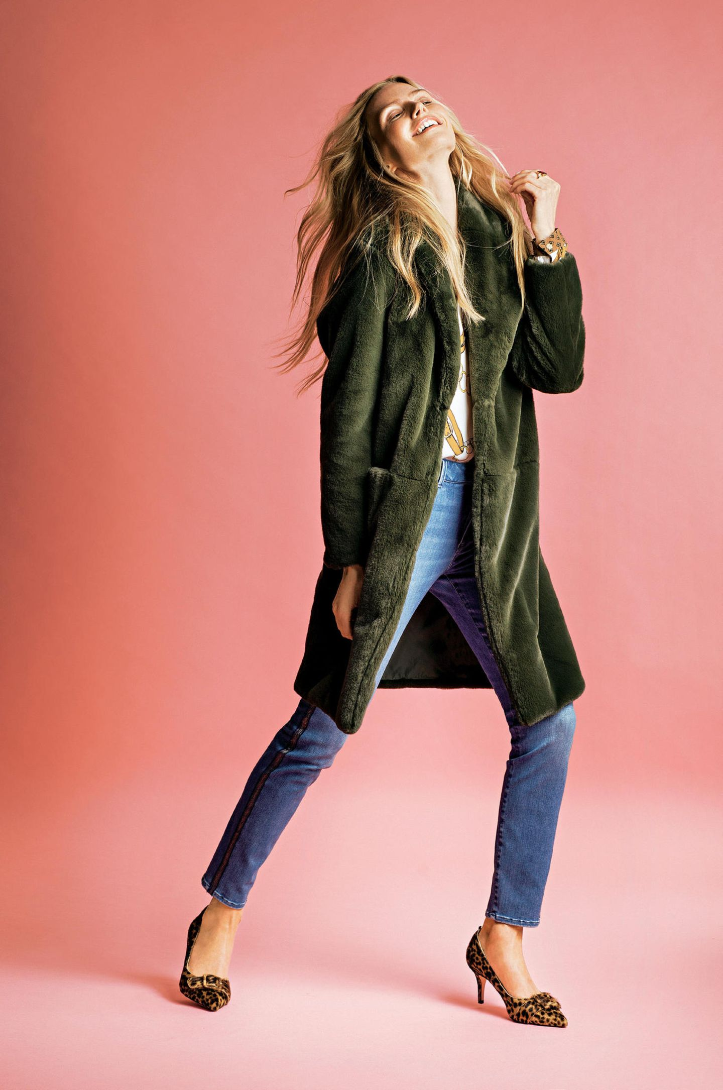 Fashion-Highlights: Schöne Mode-Trends der Saison: Fake-Mantel grün