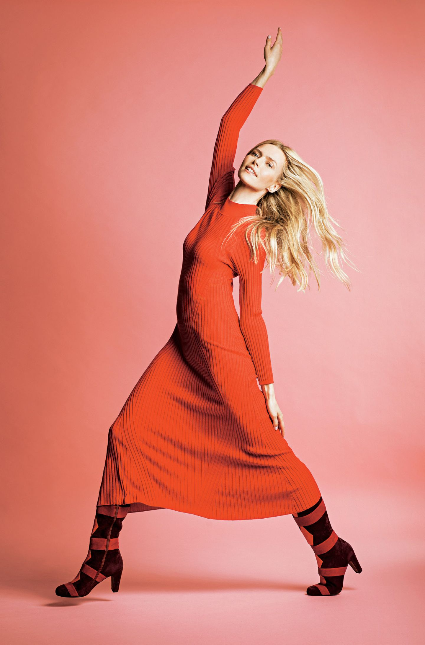 Fashion-Highlights: Schöne Mode-Trends der Saison: Rotes Strickkleid