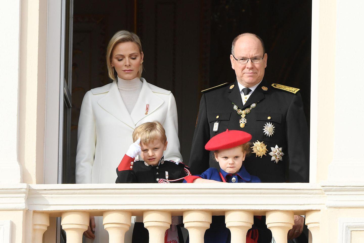 Royale Kinderfotos: Jaques und Gabriella von Monaco schlecht gelaunt
