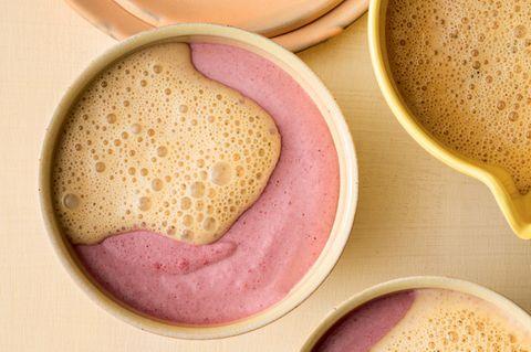 Beerenmousse mit Vanilleschaum