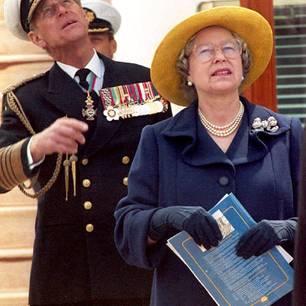 Prinz Philip und die Queen: schauen in den Himmel