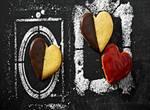 Plätzchen ausstechen: Himbeer-Herzen