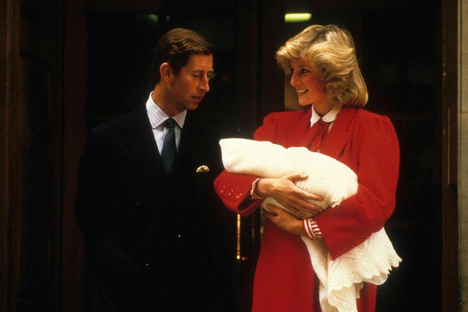 Prinz Charles und Prinzessin Diana mit Prinz Harry