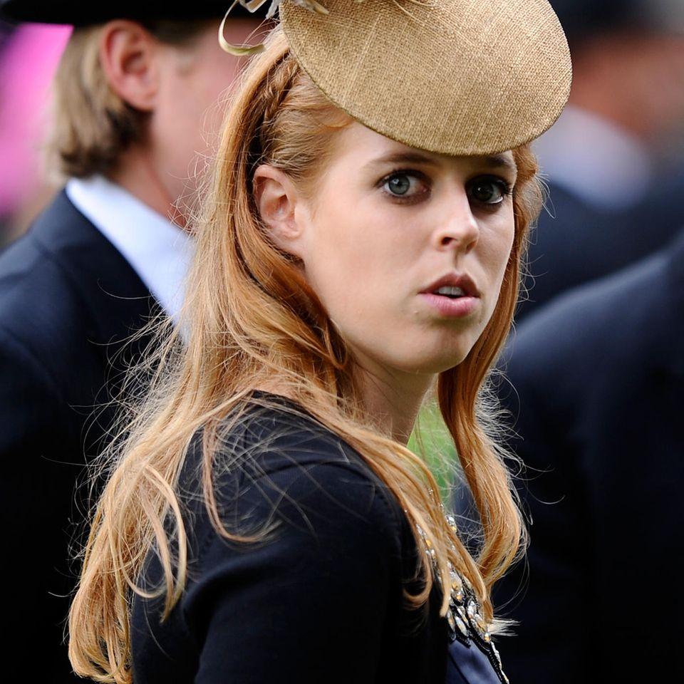 """Wegen Prinz Andrew: Prinzessin Beatrice ist """"jeden Tag in Tränen aufgelöst"""""""