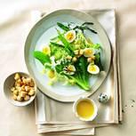 Frühlingssalat mit Wachteleiern