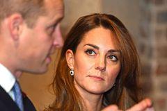 Guck mal Kate, hier busselt William ne Andere!