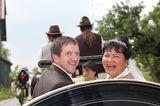 Bauer sucht Frau: Josef und Narumol in der Kutsche