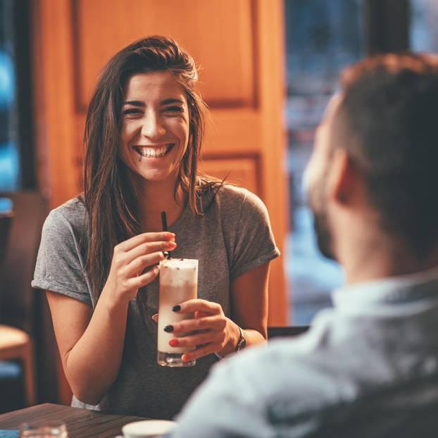 Anmachsprüche: Frau beim Date