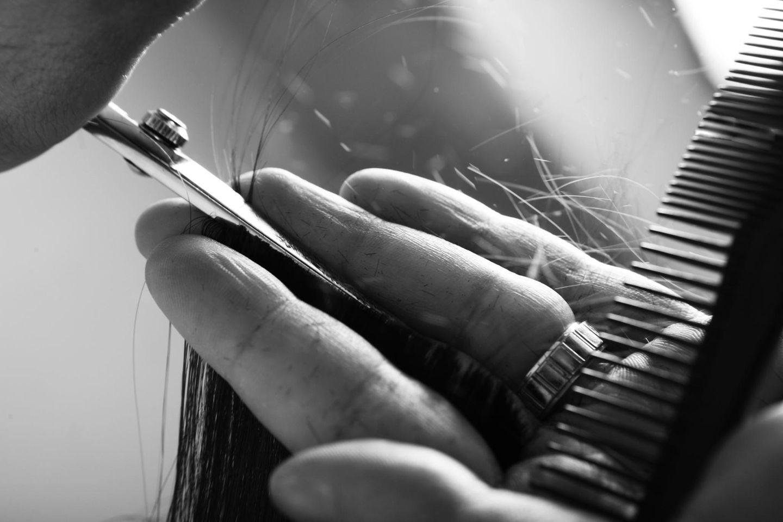 Nach Eierstockkrebs: Haare schneiden