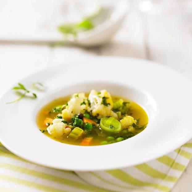 Gartenkräuter-Suppe