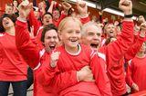 Fußball ist nur was für Jungs? Come on! Auch unsere Mädels können eingewickelt in Fanschal und Mütze das Team so ordentlich anfeuern, dass selbst eingefleischte Fans erblassen. Welche Mannschaft, welches Spiel, welche Liga, das ist uns Wurscht – die Atmosphäre ist immer geil!  Tickets für zum Beispiel Heimspiele des FC St. Pauli in Hamburg gibt's schon ab 12,50€ über www.eventimsports.de.