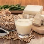 Sojamilch: Sojaprodukte auf dem Tisch