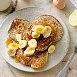 Zitronen-Mohn-Blini mit Banane & Ahornsirup