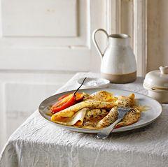 Quinoa-Pfannkuchen mit Tamarillos & Honig