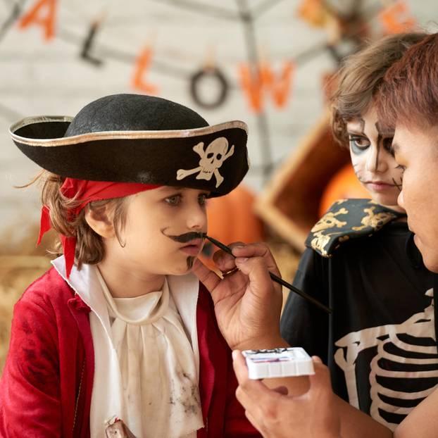 Als Pirat Schminken Make Up Anleitung Fur Karneval Und Co