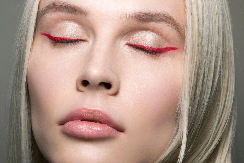 Roter Eyeliner