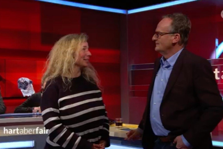 """""""Hart aber fair"""": Feministin stürmt Bühne – und mit Martin Rütter gehen die Pferde durch"""
