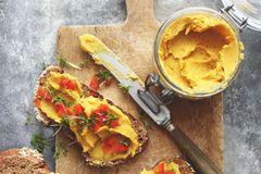 Veganes Frühstück: Linsenaufstrich mit Süßkartoffeln