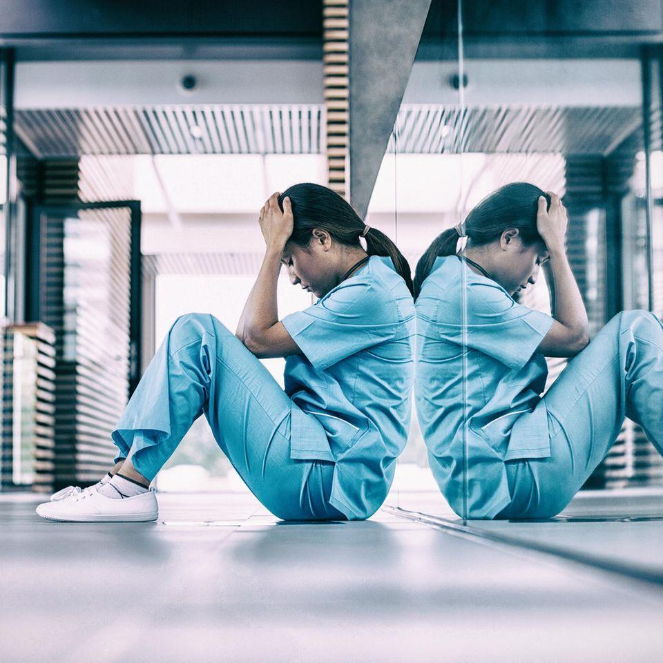 #RespectNurses: Krankenschwester auf dem Boden