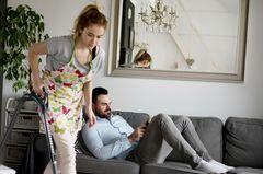 Bewiesen: Männer verursachen 7 Stunden zusätzliche Hausarbeit