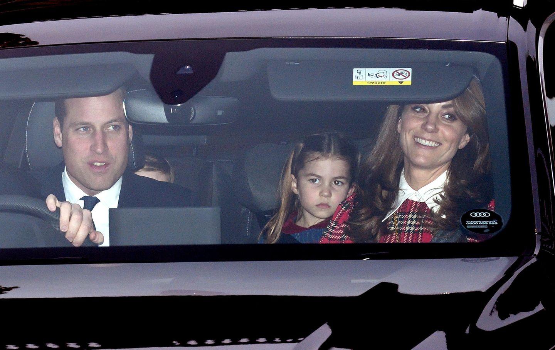 Royale Kinderfotos: Prinzessin Charlotte im Auto