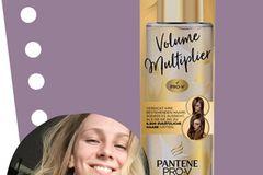 Hospitantin Charlotte hat den Volume Multiplier von Pantene Pro-V ausprobiert.