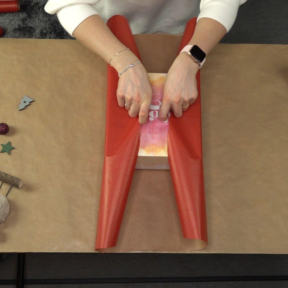 Geschenke einpacken: Dieser Trick wird euer Leben verändern