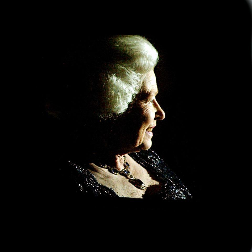 Queen Elizabeth II.: wird angestrahlt