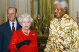 Queen Elizabeth II.: mit Nelson Mandela
