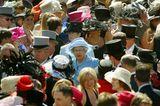Queen Elizabeth II.:  in der Masse