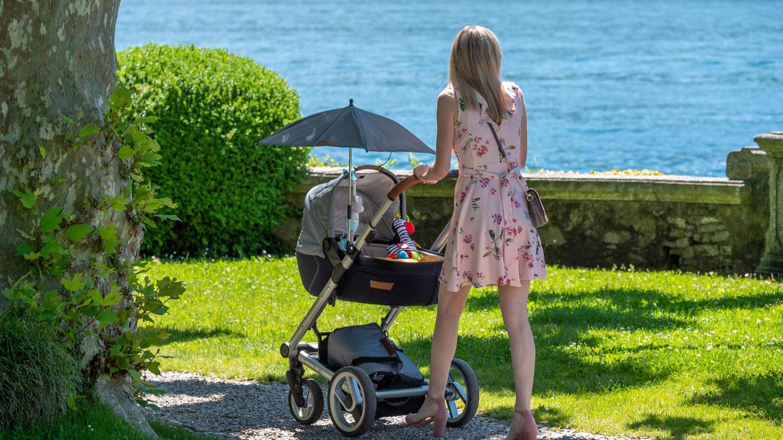 Gefahr Im Sommer Warum Ihr Einen Kinderwagen Nicht So Abdecken Solltet Brigitte De