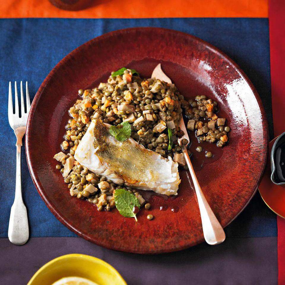 Yogi-Tee-Linsen-Gemüse mit Zander