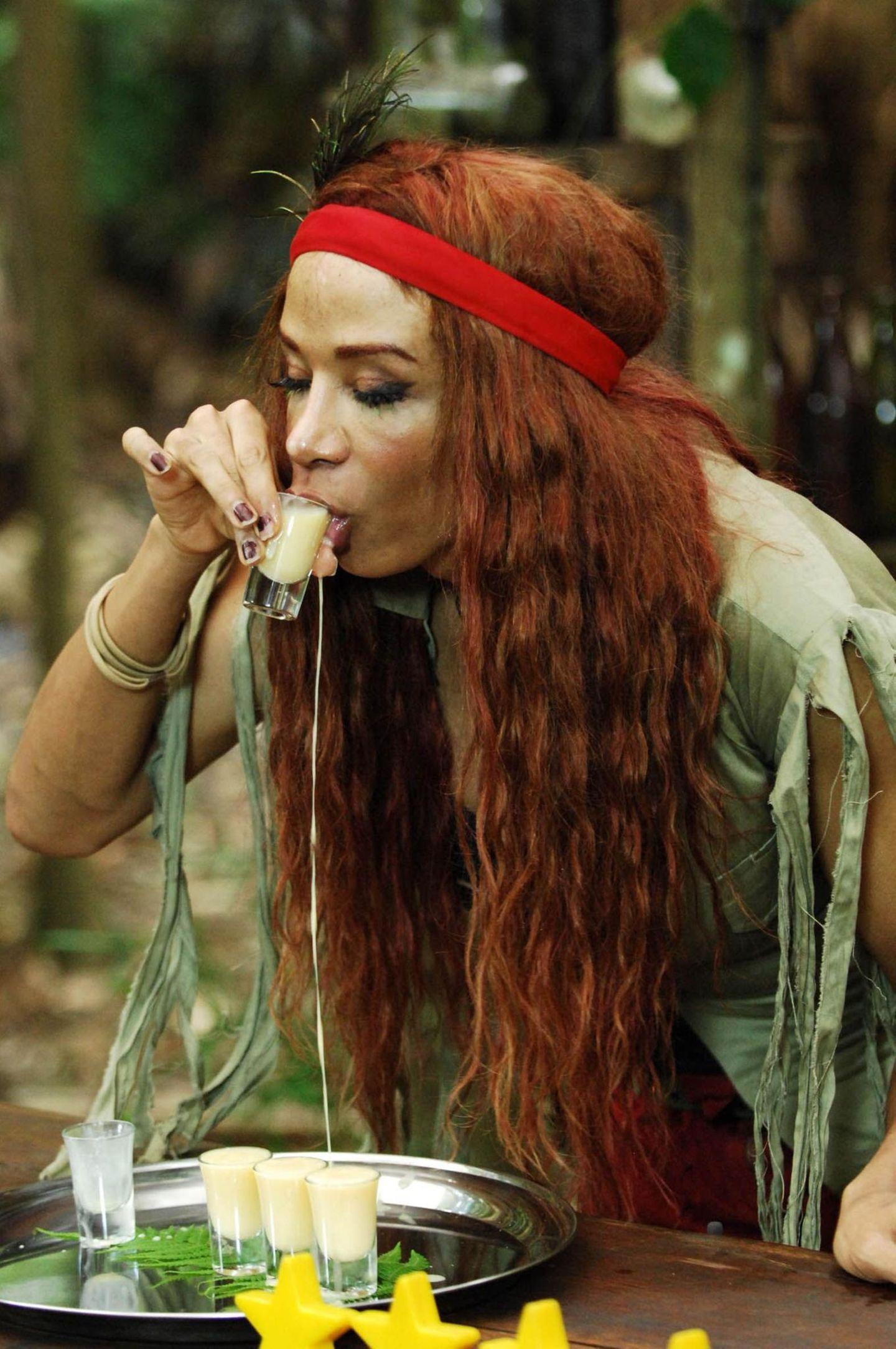 Dschungelcamp: Lorielle London trinkt Kurze