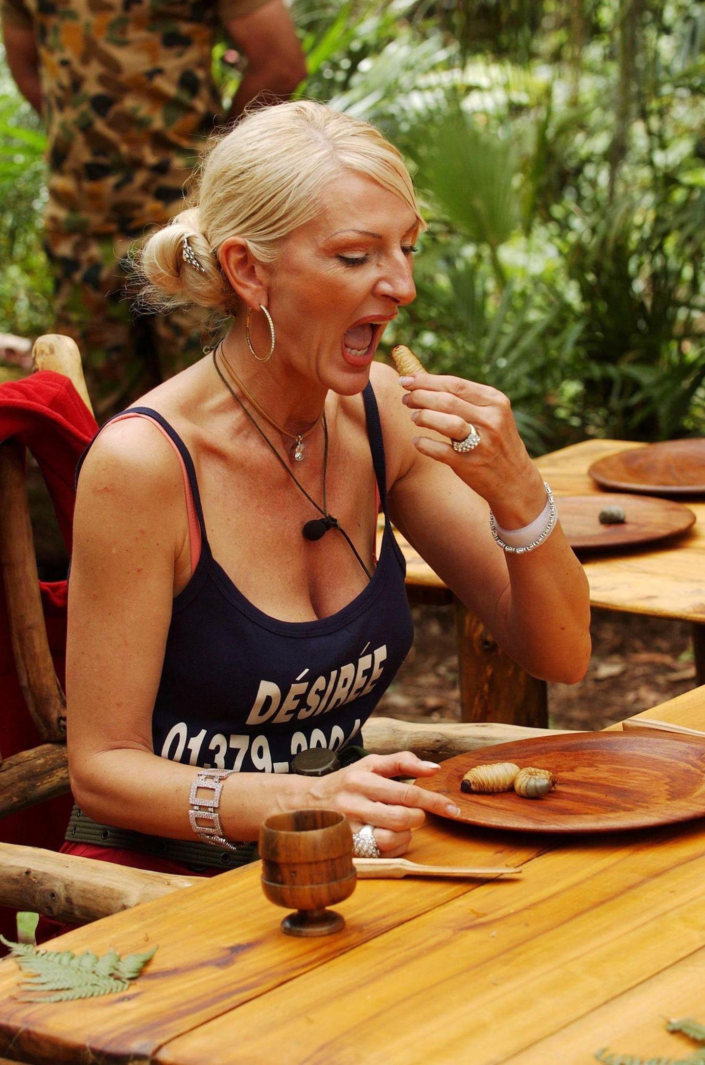 Dschungelcamp: Désirée Nick beim Essen