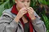 Dschungelcamp: Kim Debkowski Gloss am Tisch