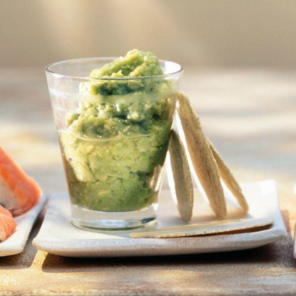 Guacamole von grünem Spargel