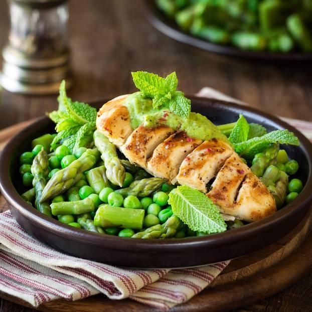 WW: Gesundes Essen mit Fleisch und Gemüse