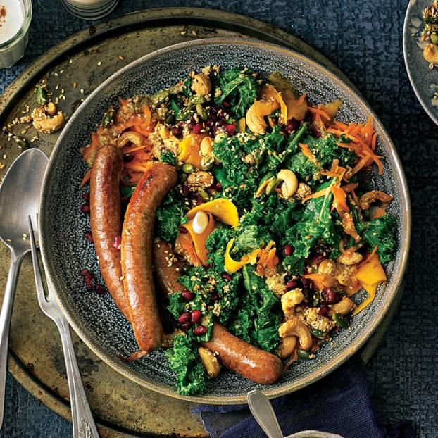Bunter Grünkohl-Nuss-Salat mit Merguez