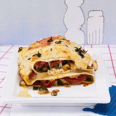 Kleine Lasagne mit Zucchini und gekochtem Schinken