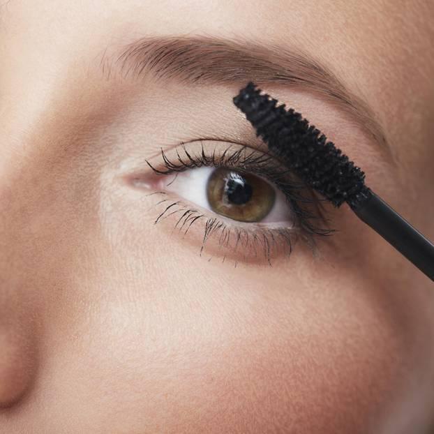 So bleibt dein Mascara immer frisch