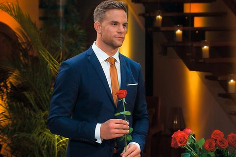 Der Bachelor und seine 22 Klone: So lustig reagiert das Netz auf die erste Folge 😂