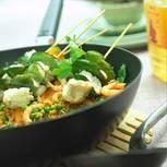 Seeteufelspieße auf Gemüsereis