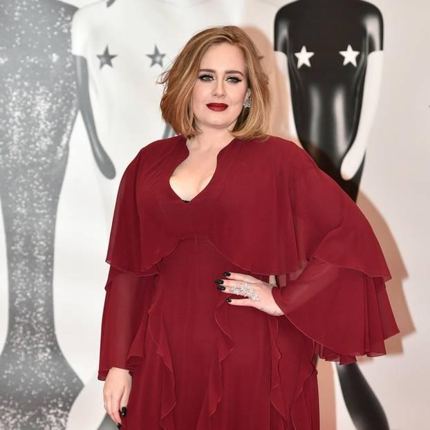 Stars auf Diät: Adele auf dem roten Teppich