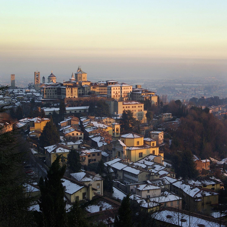 Kurztrip im Winter: Stadt Bergamo im Winter