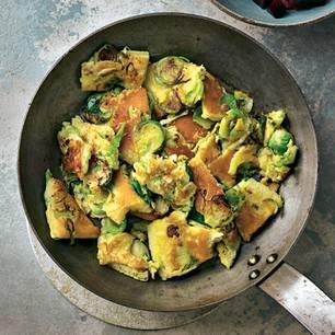 Rosenkohl-Kratzete mit Rote-Bete-Salat