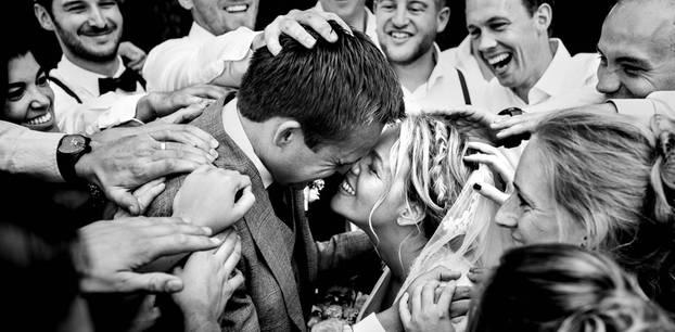Die besten Hochzeitsfotos der Welt von 2019: Brautpaar und Gratulanten